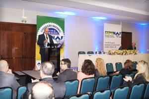 Mestre de Cerimônias Luiz Quijada dá início ao evento.
